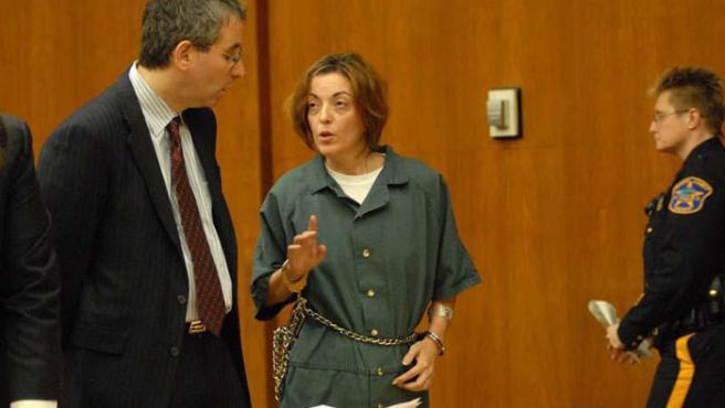 María José Carrascosa habla con Alan Lewis, su antiguo abogado.