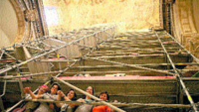 La iglesia del Salvador de Sevilla abrirá sus puertas tras cinco años cerrada por su mal estado (A. González).