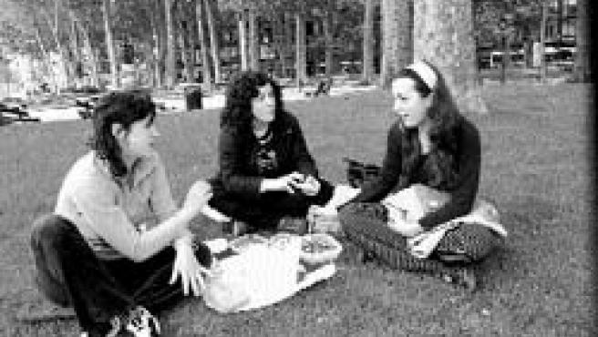 No hay tiempo de ir a casa, así que el picnic es una buena alternativa.