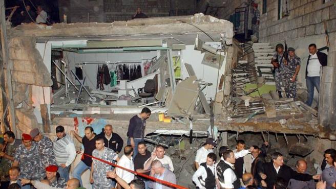 La zona afectada por la explosión de esta noche en las cercanías de Beirut. (EFE)