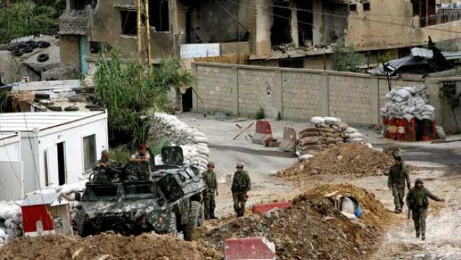Los combates entre el ejército y los radicales se han cobrado más de cien víctimas en el barrio de Nahr al Bared. (Foto: EFE)