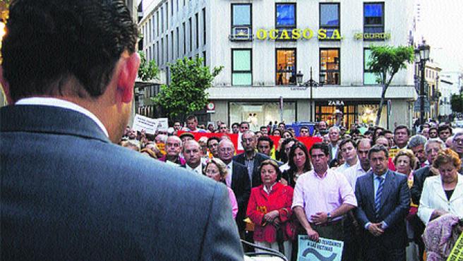 La familia del empresario sevillano Rafael Padura le rindió un homenaje en La Campana (R. G.).