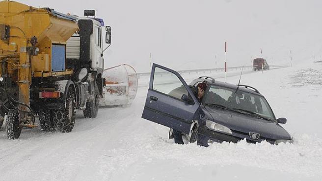 Accidente de tráfico producido por un mal uso del teléfono movil.