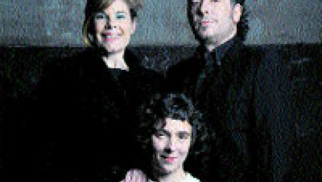 La família de l'obra 'Efectes secundaris', al Tantarantana. (D. Ruano)