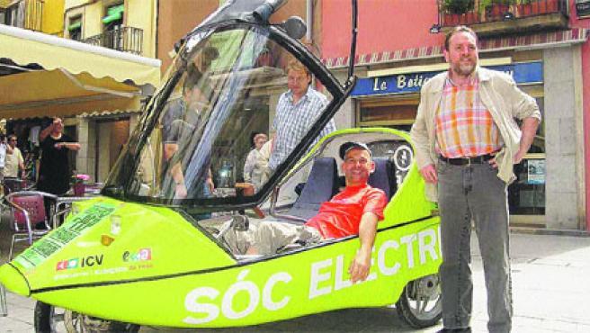 El cotxe elèctric. (X. Colomer / Acn)