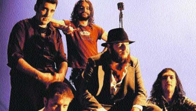 El grupo trae a Valencia las once canciones de su último disco y también sus viejos éxitos.