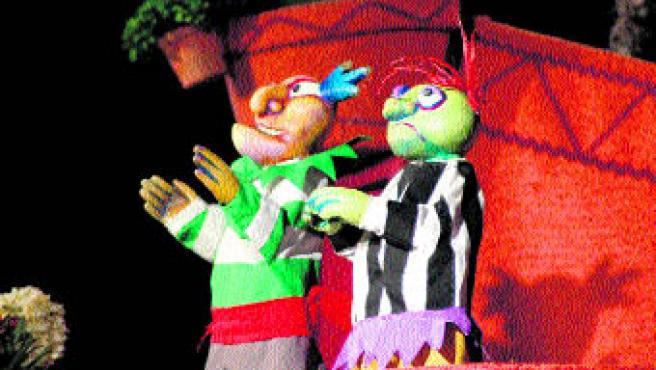 Los títeres protagonistas de la obra, de la compañía La Gotera de Lazotea. (Teatro Cánovas)