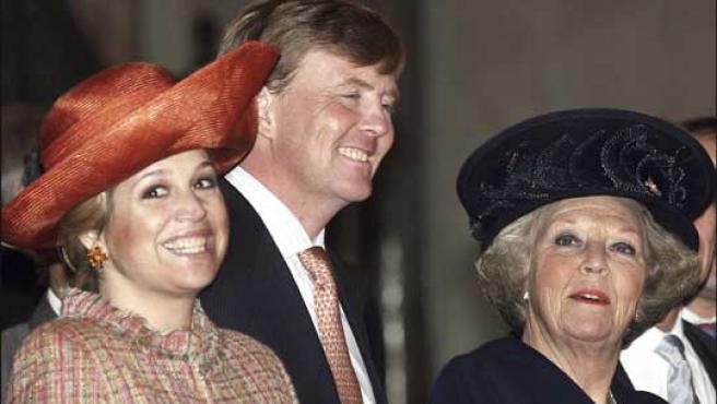 Maxima y Guillermo de Holanda junto a la Reina Beatriz