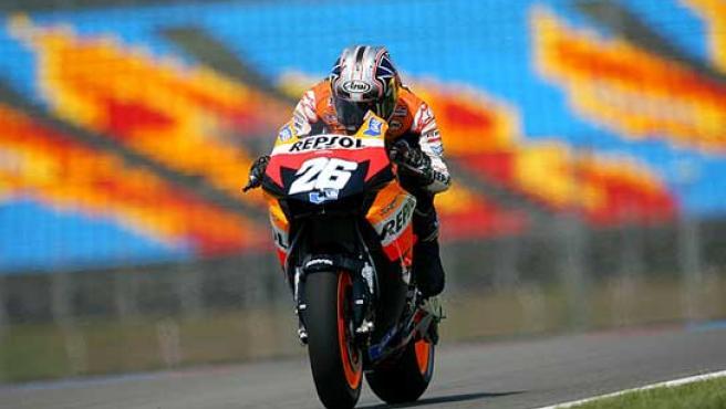 Dani Pedrosa durante una carrera. (Efe)