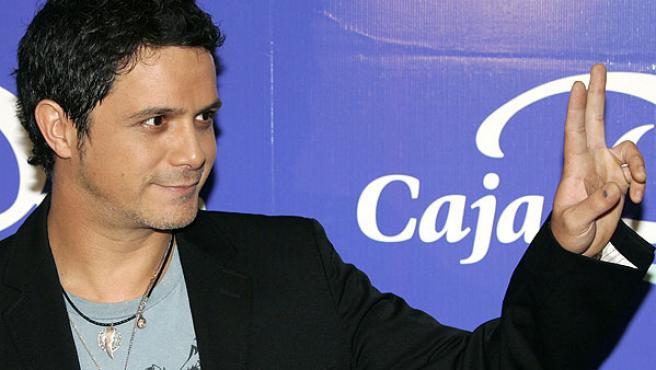Alejandro Sanz durante la rueda de prensa en Madrid.