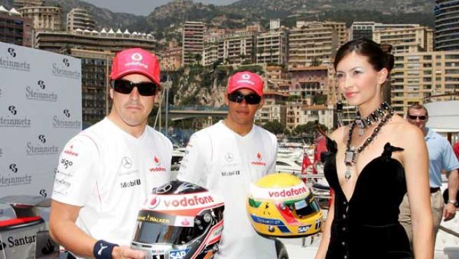 Alonso y Hamilton, en Mónaco. (Foto: EFE)