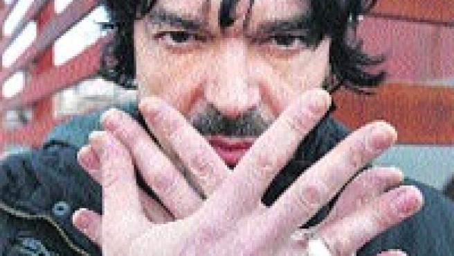 Nacho Campillo es el vocalista de Tam Tam Go.