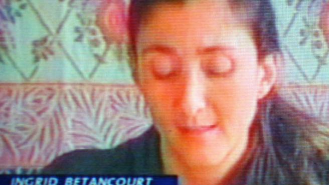 Mensaje televisivo de la secuestrada Ingrid Betancourt (NOTICIAS UNO COLOMBIA).