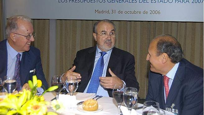 Solbes en el almuerzo de clausura de unas jornadas sobre los presupuestos para 2007. (Víctor Lerena / Efe)