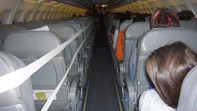 La situación precaria del avión puso en tensión a los pasajeros.