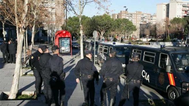 Despliegue policial en Alcorcón en una foto de archivo (Jorge París)