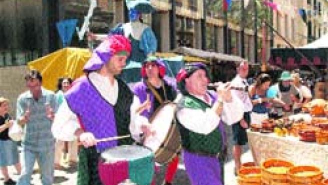El mercado medieval de Alicante se despidió ayer. (F. G.)