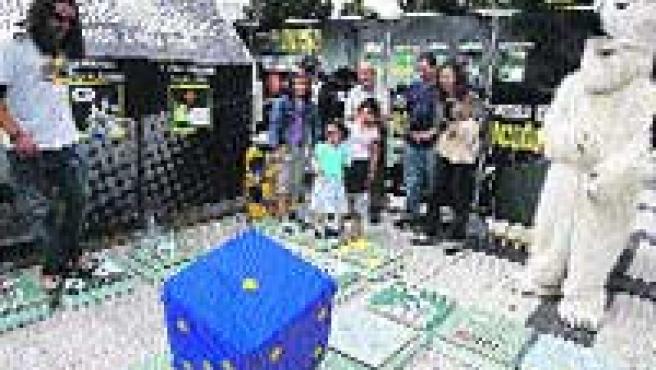 El túnel del tiempo de Greenpeace.(L. Vázquez)