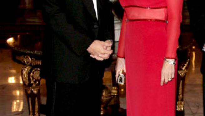 EL príncipe Eduardo de Inglaterra, hermano de Carlos, y su esposa Sophie Rhys-Jones, condesa de Wessex, en una ceremonia de entrega de premios celebrada en Mónaco el año pasado.