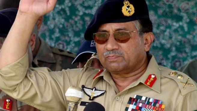 El presidente paquistaní Pervez Musharraf lanza un ultimátum