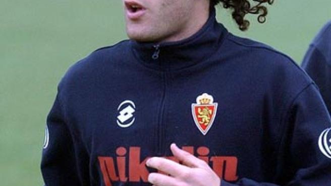 El ex central del Zaragoza, ya del Barcelona, se ejercitaba durante un entrenamiento en plena temporada.