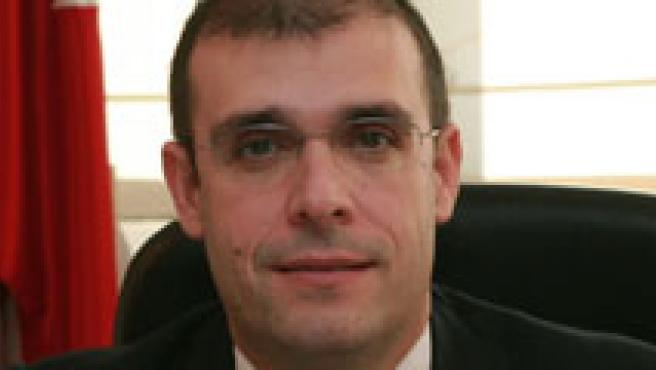 Arturo Canalda, Defensor del Menor.