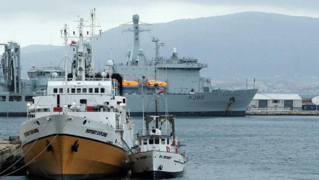 Buques de Odyssey atracados en Gibraltar. EFE