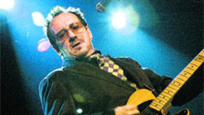 El rockero Elvis Costello llevará la voz cantante en el Festival del Terral.(Archivo)