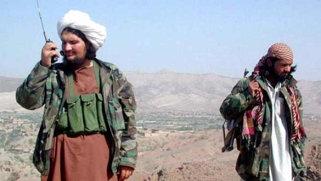 Un par de combatientes taliban en una imagen de archivo.