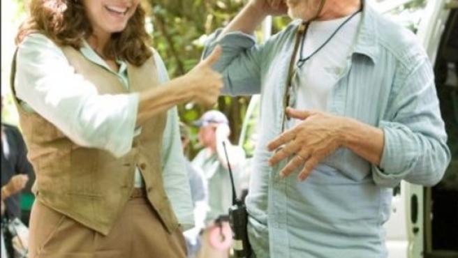 Karen Allen y Steven Spielberg en Hawai.