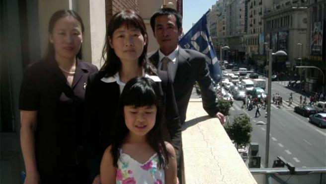 Zhao Ming, Dai Zhizhen -con su hija Fadu- y Chen Ying (David Ramos)