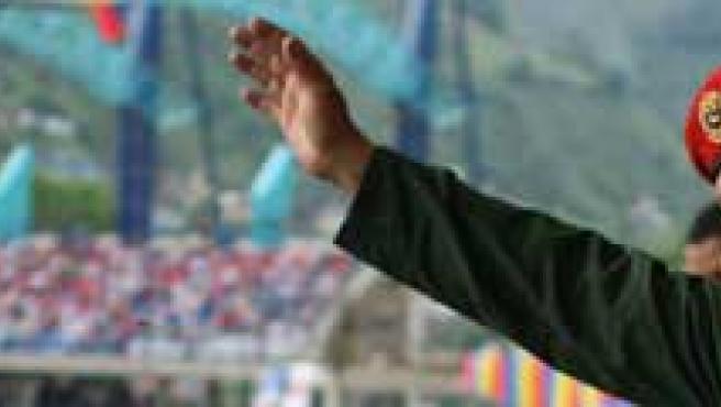 Hugo Chávez durante el encuentro amistoso de fútbol entre las selecciones de Venezuela y Honduras.