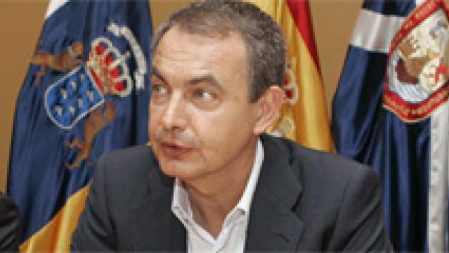 Rivero, Zapatero y Rubalcaba en Tenerife. EFE/Cristóbal García
