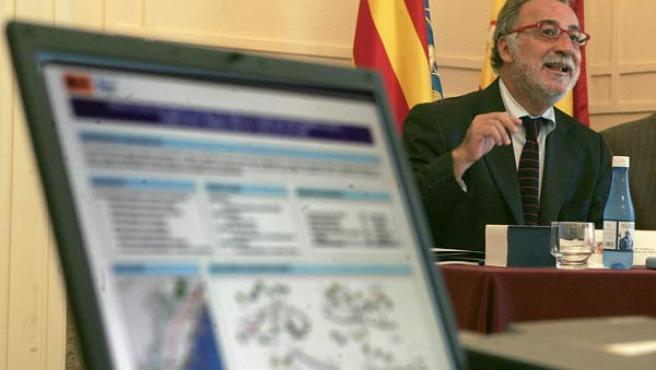 Pere Navarro durante la rueda de prensa en Castellón (EFE)