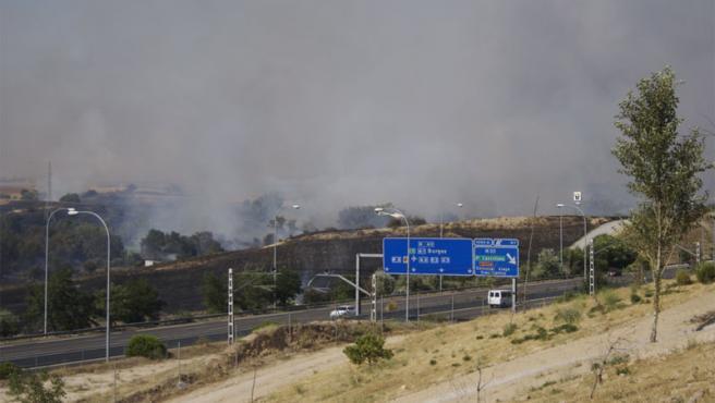 Un incendio arrasó 40 hectáreas de pasto en El Pardo, junto a la M-40.