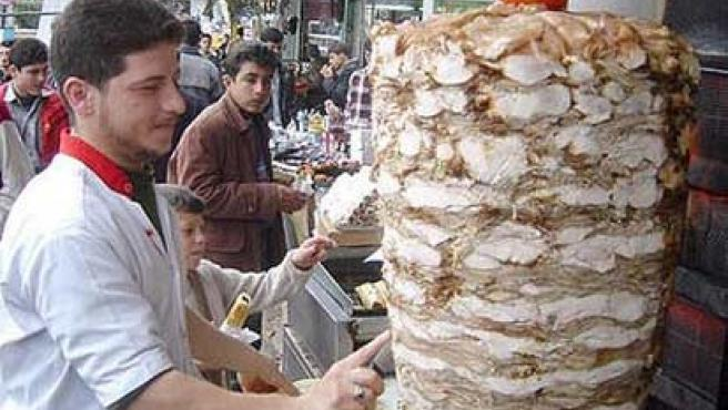 Shawarma de pollo en Hama, Siria. (WIKIPEDIA)