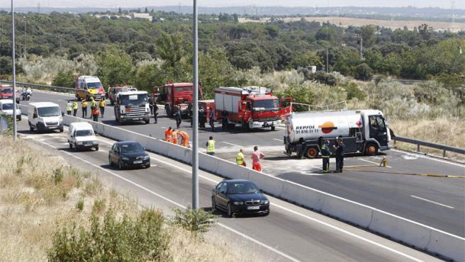 El camión cisterna provocó un atasco de seis kilómetros en la M-607