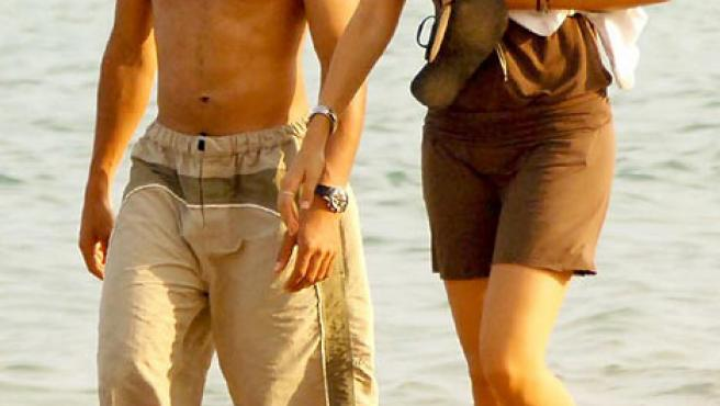 Lewis Hamilton y su nueva novia, Sara Ojjeh (Foto: thisislondon.co.uk) .