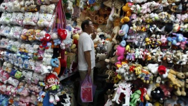 El Gobierno del país asiático admite algunos errores de sus empresas pero achaca a Mattel parte de la culpa por no revisar sus productos