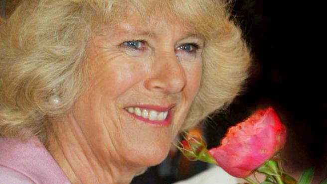 Camilla Parker, duquesa de Cornualles, ha recibido numerosas críticas de los círculos cercanos a la princesa Diana de Gales (ARCHIVO).