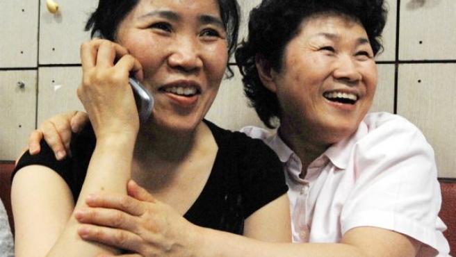 Familiares de los misioneros surcoreanos secuestrados en Afganistán celebran el acuerdo alcanzado entre su Gobierno y los talibanes.