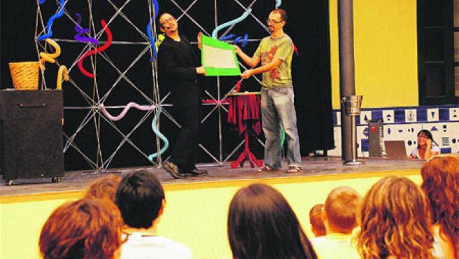 Grandes y pequeños disfrutaron del espectáculo teatral que ofreció el Centro Cultural La Beneficencia (Begoña Gómez).