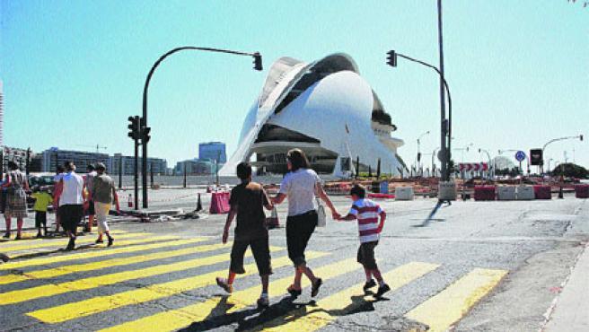 Las obras de la nueva rotonda de la plaza de Monteolivete serán las primeras en finalizar y casi no agravarán el tráfico (Begoña Gómez).