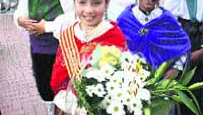 Ayer, numerosos ciudadanos participaron en la tradicional ofrenda floral.(Ical)