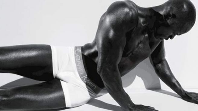 Djimon Hounsou para Calvin Klein. (CK ).