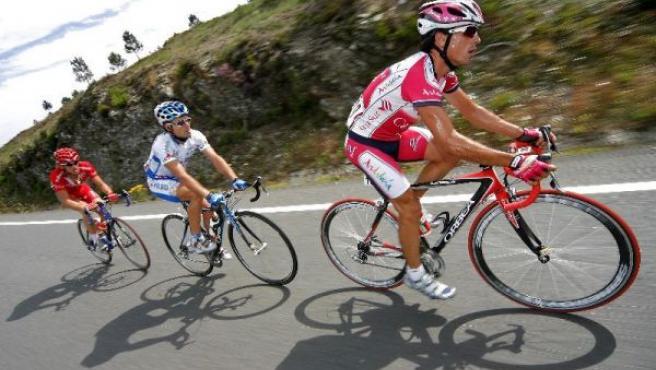 Corredores de la Vuelta Ciclista a España 2007. MANUEL BRUQUE / EFE