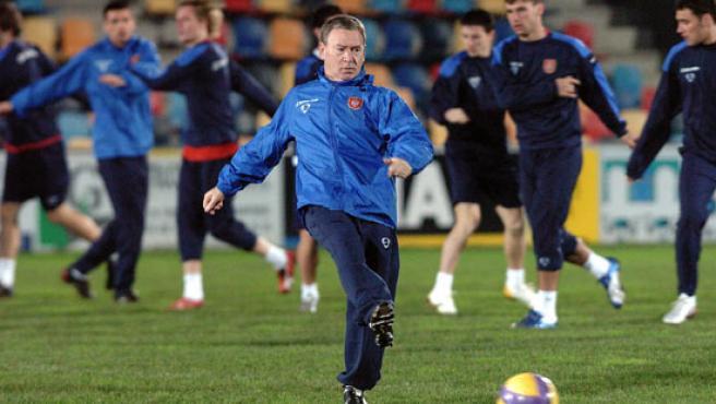 Clamente, durante el entrenamiento de la selección serbia. (Efe)