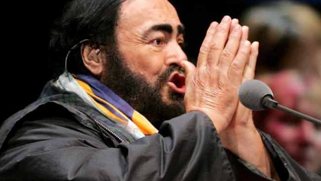 El tenor italiano Pavarotti.
