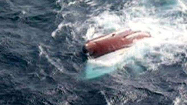 Casco del pesquero hundido antes de desaparecer. EFE TV