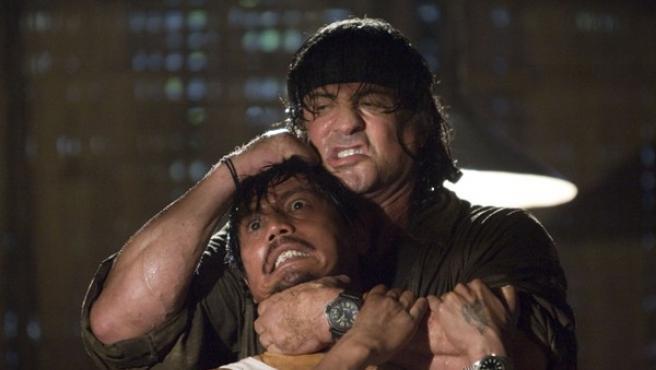 Sylvester Stallone, protagoniza y dirige la cuarta entrega de Rambo.